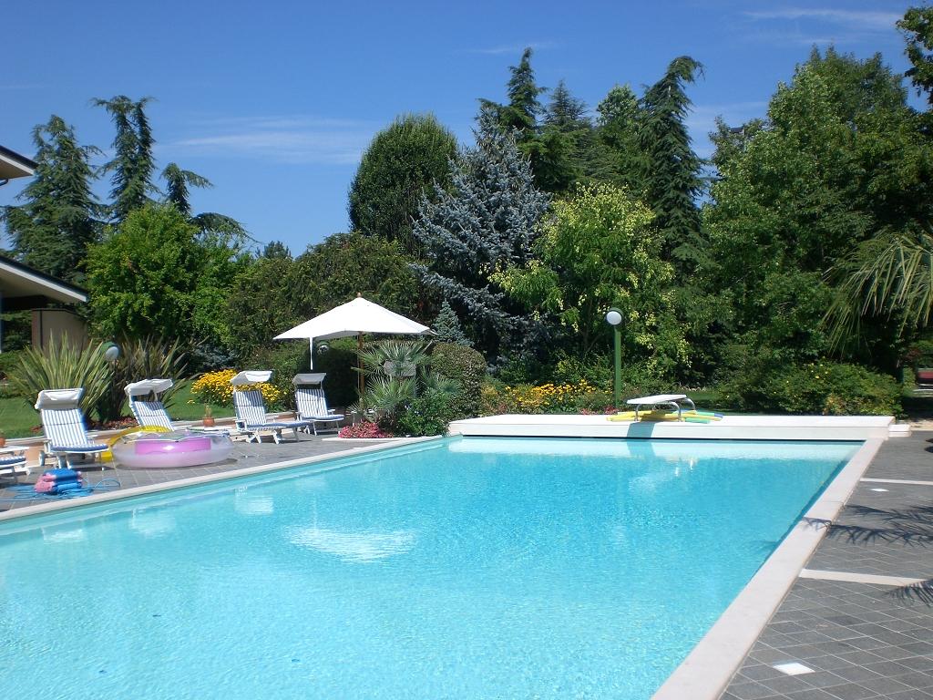 Foto di piscine foto di piscine with foto di piscine - Immagini di piscine ...